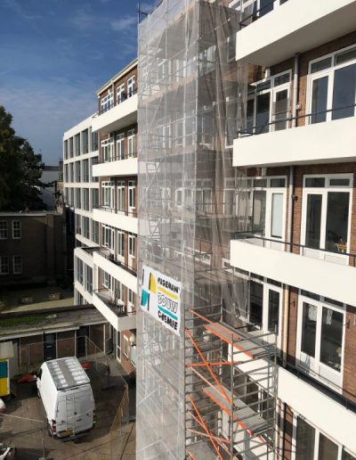 Gaten_boren_op_balkons